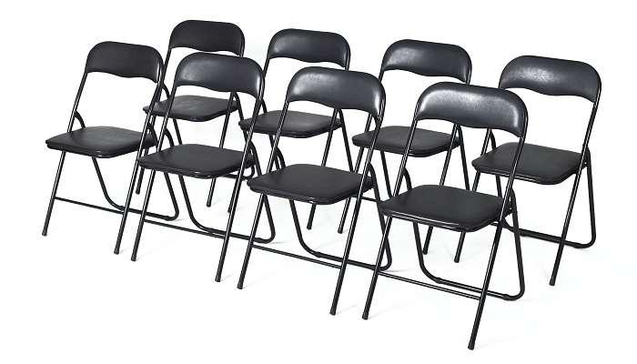 sæt med stole og bord sat sammen